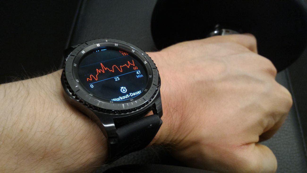 samsung gear s3 - 2020'de Satın Alabileceğiniz En İyi Akıllı Saatler
